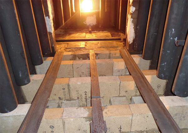 プッシャー式連続浸炭炉