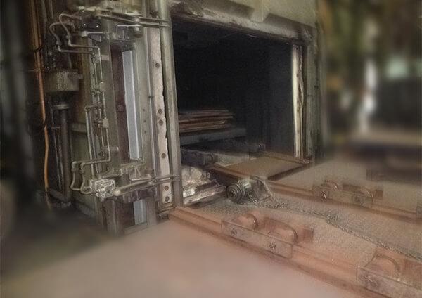 トレイ型焼鈍炉